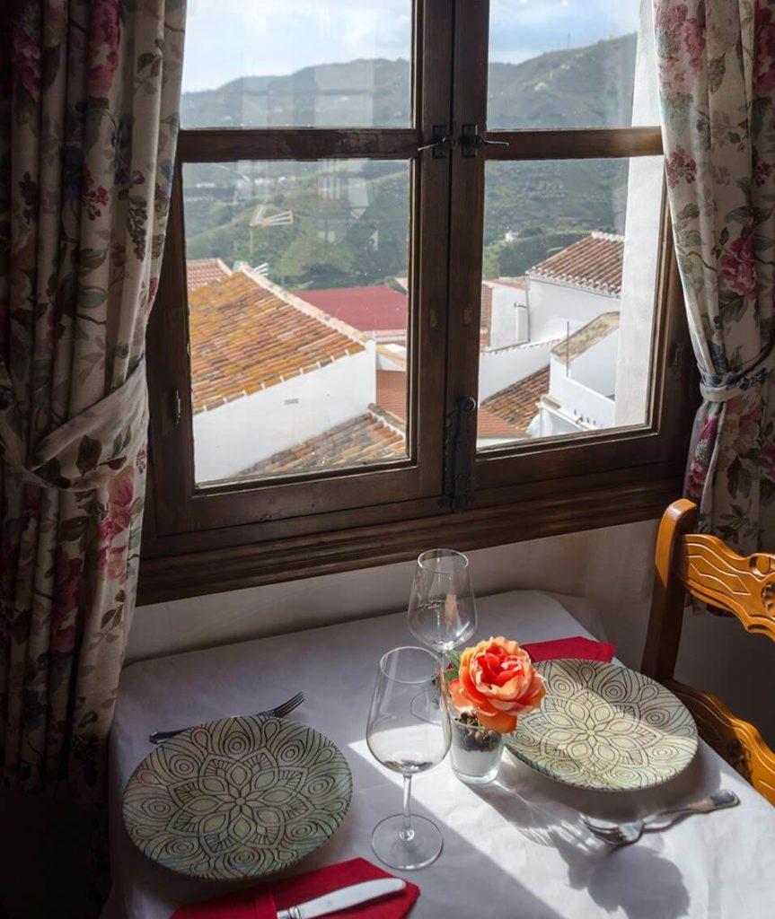 restaurante-la-plaza-Canillas-Albaida-Malaga.jpg