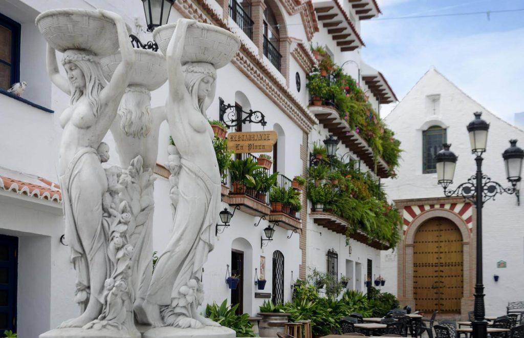 Terraza-hotel-Canillas-Albaida-Malaga.jpg