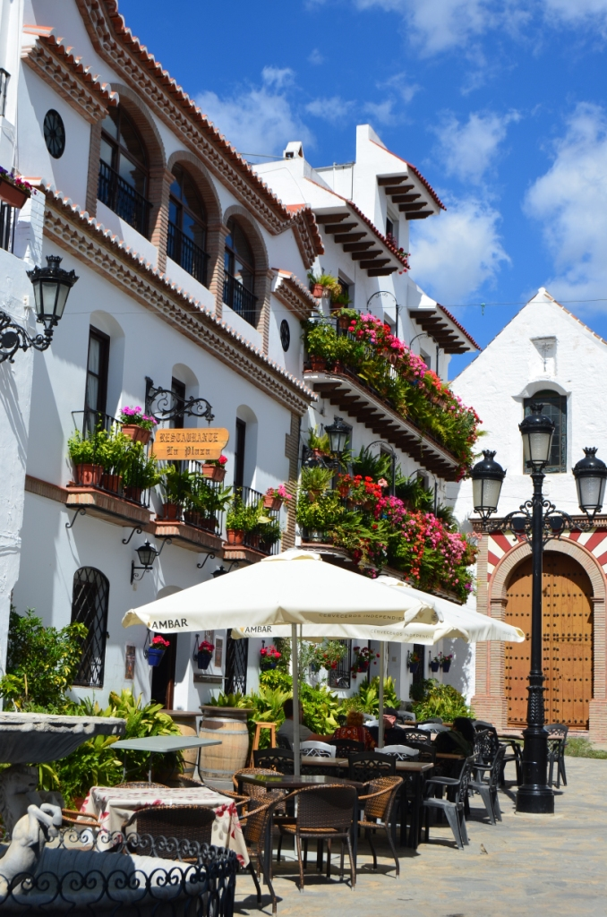 Terraza-restaurante-Canillas-Albaida-Malaga.jpg